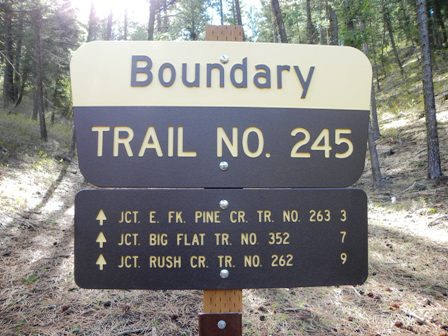 Boundary Trail Sign